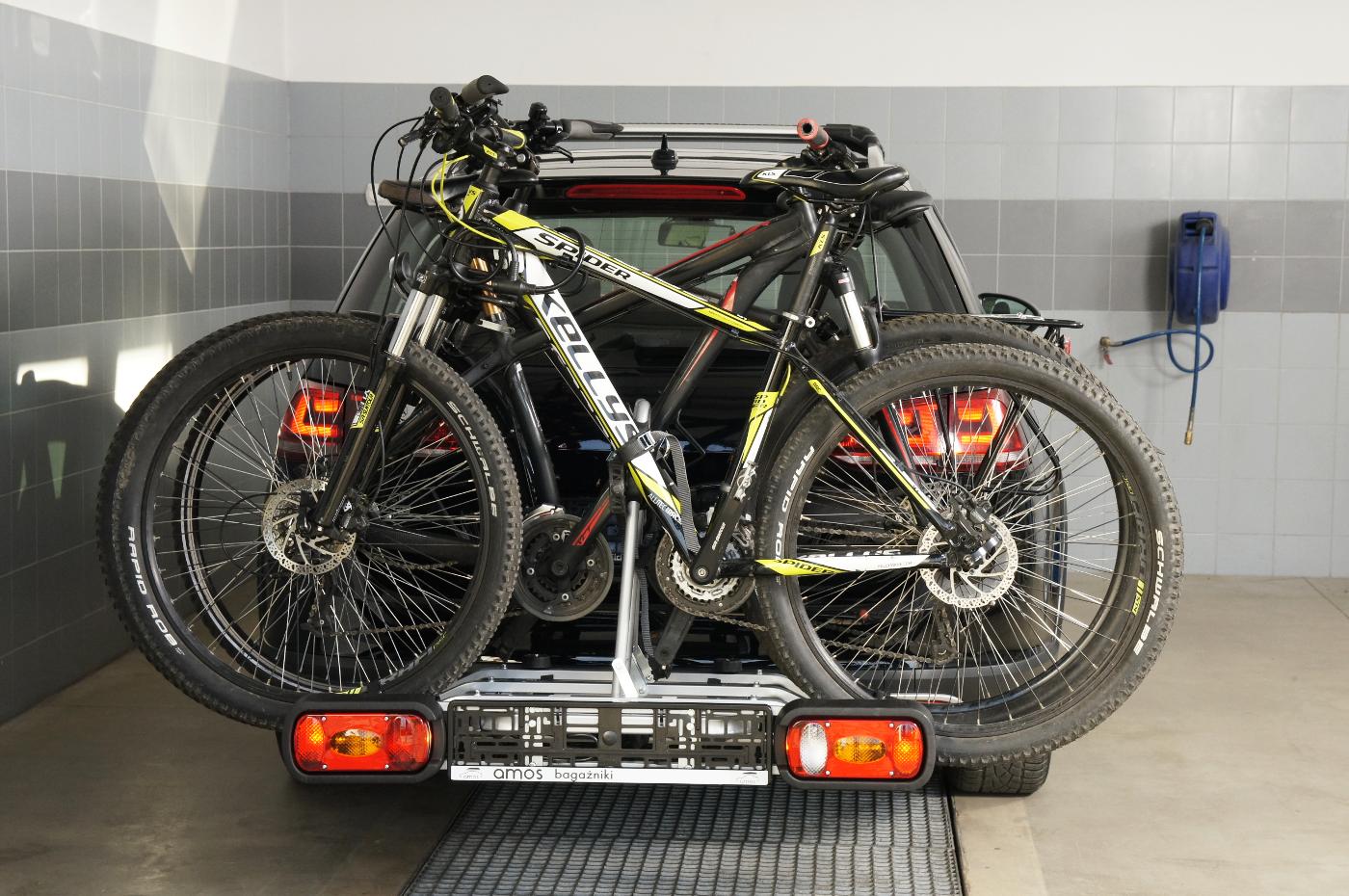 Fahrradträger für Anhängerkupplung drei Fahrräder eBike AMOS Tytan-3 PLUS 7polig