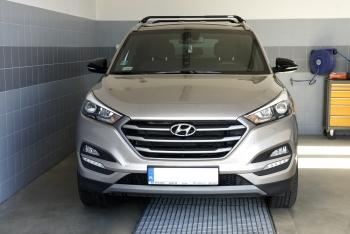 Hyundai Tucson III - installazione del portapacchi Ovalbar Modula CS